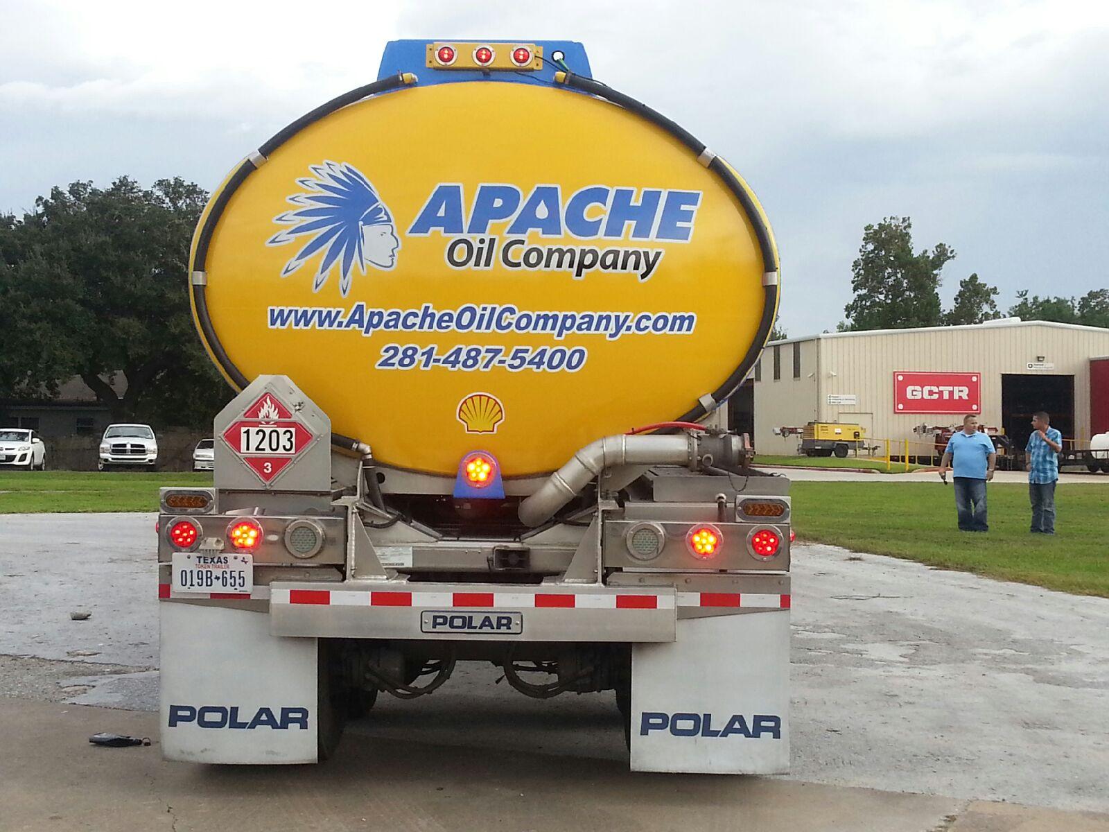 apache-oil-company-fuel-tanker-1600x1200