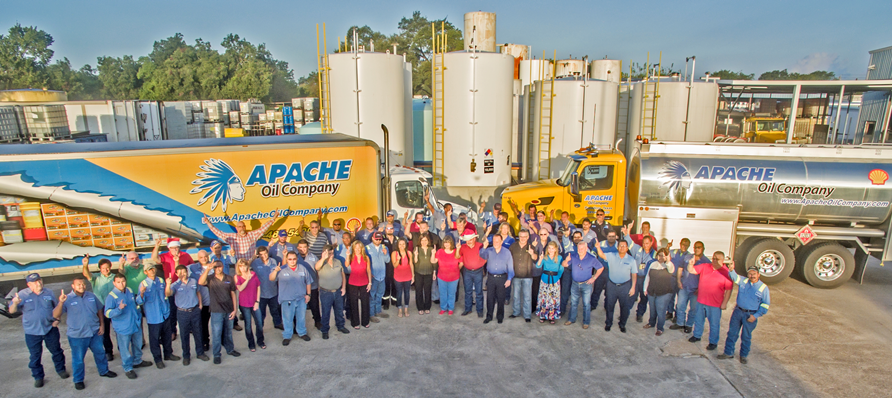 Apache-Oil-Company-Team-Photo-1-892x398